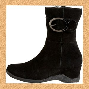 Waterproof insulated real suede winter boots